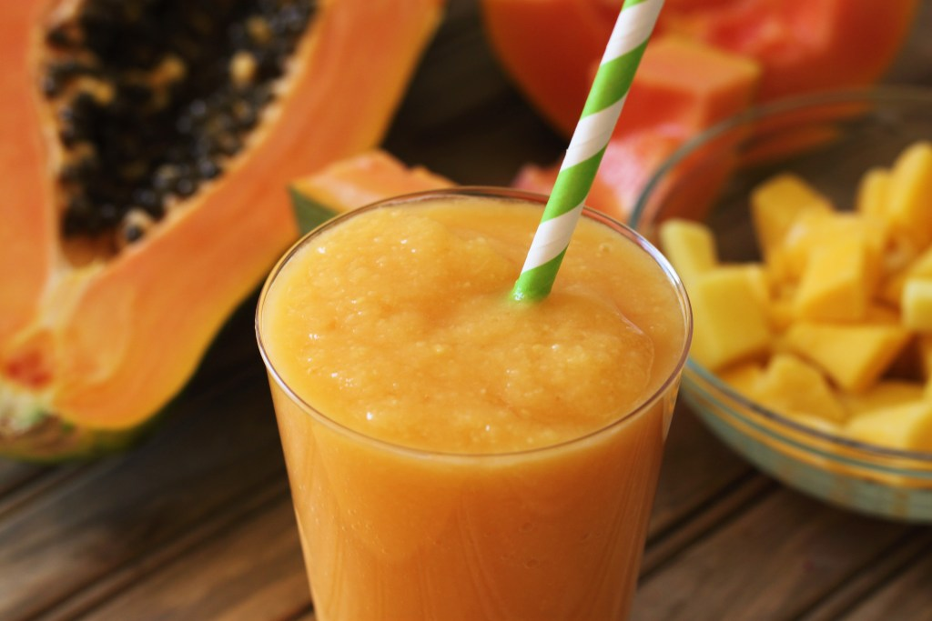 Papaya, Apple, And Oatmeal Shake To Reduce Your Belly And Balance Your Digestive System